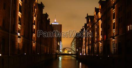 bridge night photograph lights harbor hamburg