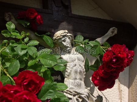kryds med roser