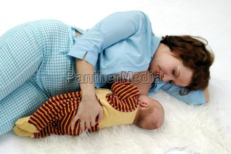 sove og amning