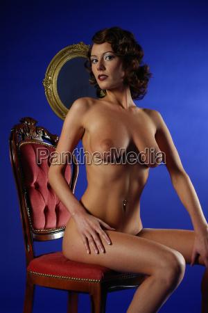 kvinde med store bryster