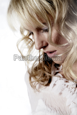 mujer seriedad femenino dama cara retrato