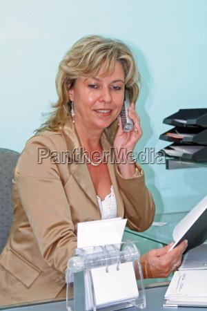 kvinde telefon kontor opringning sekretaer dame