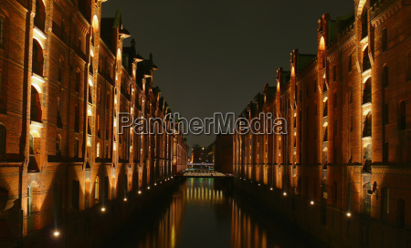 puerto reflexion hamburgo puertos elba speicherstadt