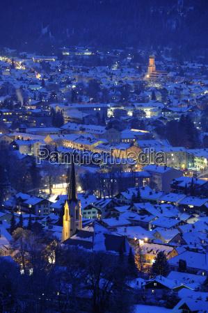 byen af u200bu200bgarmisch partenkirchen natten