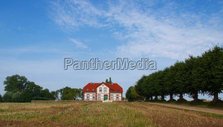 trae traeer felt country house stuehus