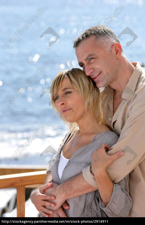 par, hugging, på, havet, terrasse, profil - 2914911