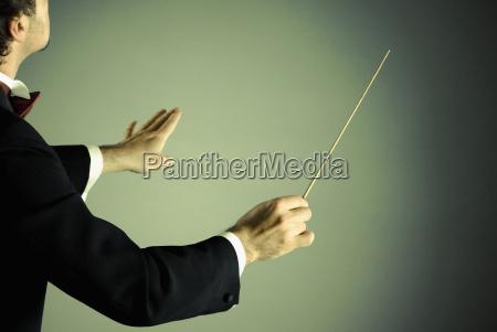 dirigent med stafetten