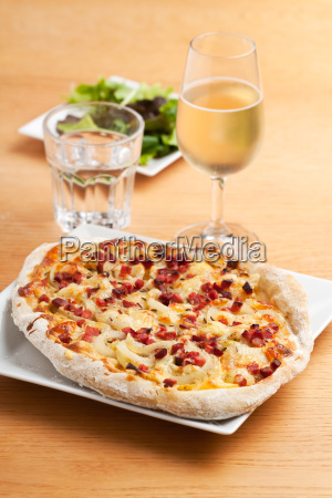 federweisser and flammkuchen