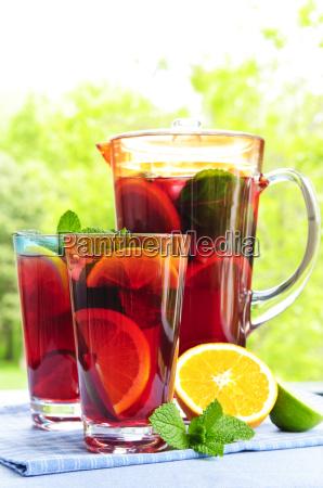 frugt hulning i kande og glas