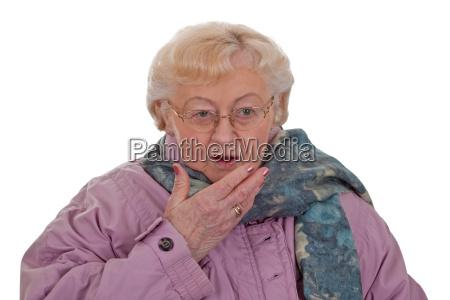 forkolelse senior halstorklaede nyse nysen hoste