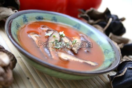 gronsager svampe vegetarisk tomatsuppe tomat suppe
