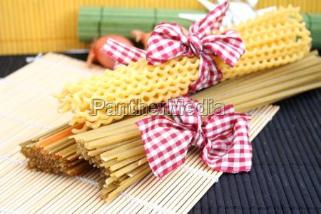 mad levnedsmiddel naeringsmiddel fodevare pasta nudler