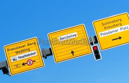 vejskilte og skilt med indskrift potsdamer