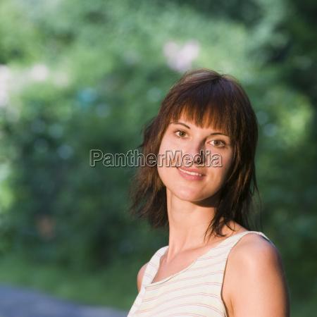 happy look af unge dame