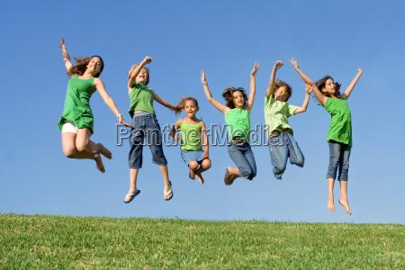 glade gruppe af blandet race born