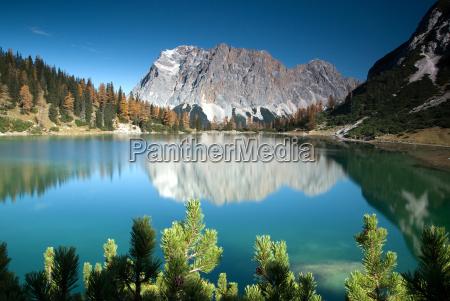 spejling bjergso tyrol bjerg