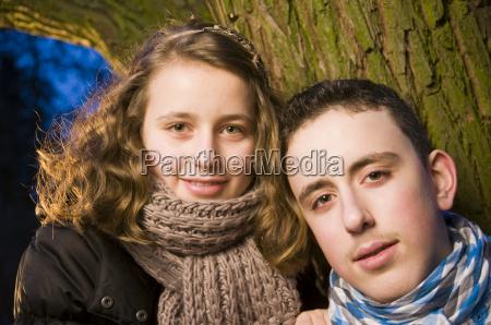 ansigter af pige og dreng