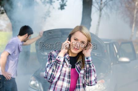 opkald bil opdeling kvinde om hjaelp