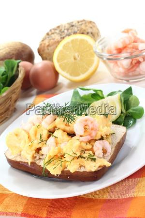 fresh scrambled eggs