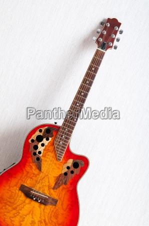 musikalsk koncept med trae guitar