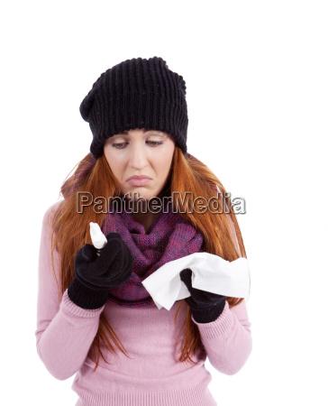 kvinde vinter kold koldt ansigt forkolelse