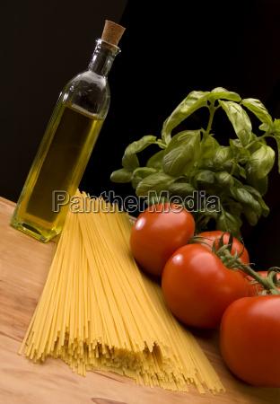 spaghetti italiensk olivenolie cherry tomater tomater