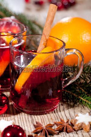 hot aromatiske mulled vin punch med