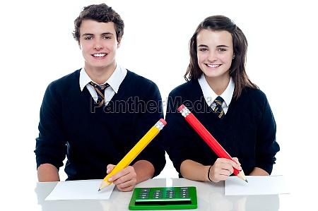 fyr kvinde studere studie fnise smiler