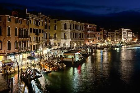 faerdsel faerdselsvaesen venedig kanal verdensby italien