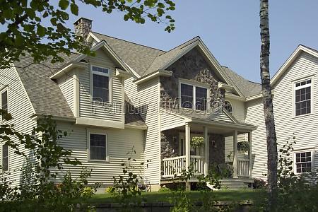 hus bygning blad trae vindue indgang