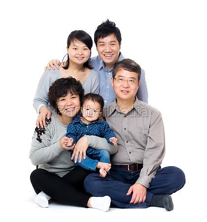 glad asiatiske tre generation familie