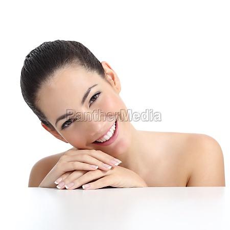 skonhed kvinde med perfekt hud manicure