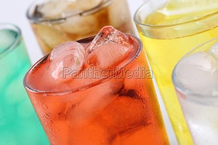 lemonade drikker i briller