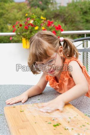 pige slorer sauce pa skaerebraettet
