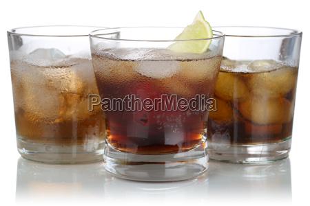whisky alkohol og cola med isterninger