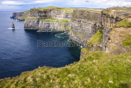 cliffs of moher i county clare