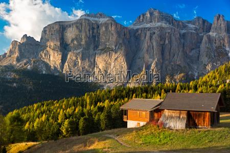 alpin hut at passo pordoi med
