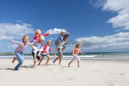 familie korer pa sunny beach