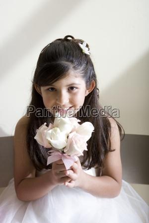 pige 8 10 klaedt i brudepige