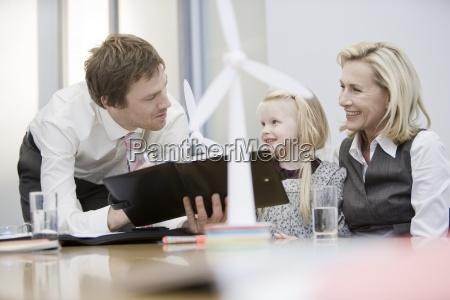 kontor skrivebord uddannelse miljo gron gront