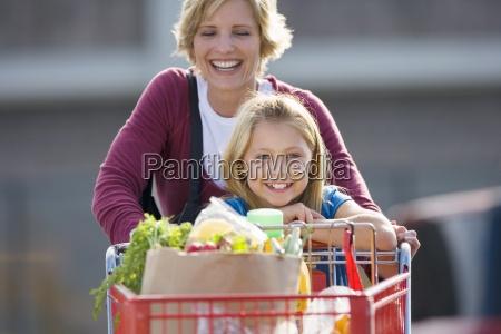 mor og datter 7 9 skubber