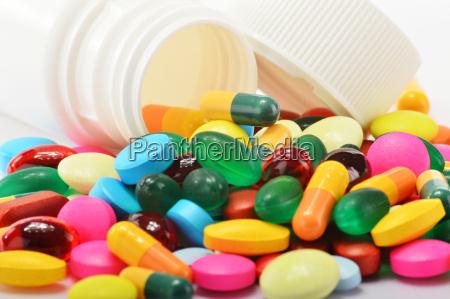 sammensaetning med forskellige laegemidler piller og