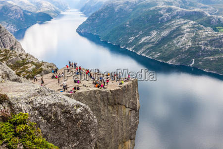 preikestolen pulpit rock pa lysefjorden norge