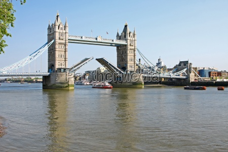 tower bridge i london aben