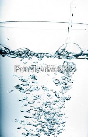 drikke drukket drik luftblaerer blaese forfriskende