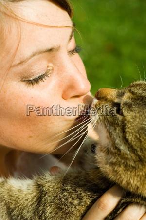 kvinde kvindelig have dyr husdyr kaeledyr