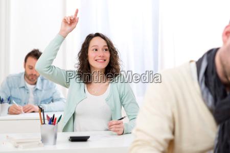 kvinde studere studie fnise smiler laerer