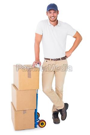 fnise smiler arbejdsplads fritlagt industri mandlig