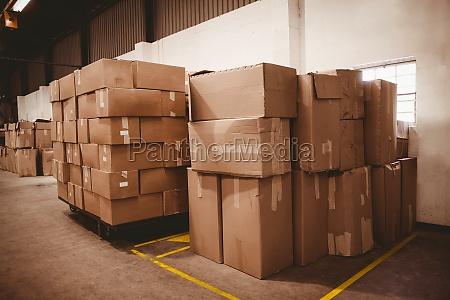 papkasser pa lager