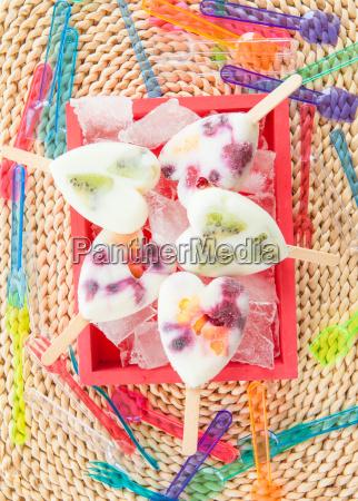 hjemmelavet frugt is
